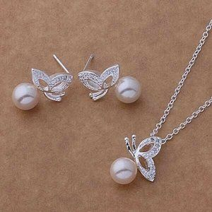 Butterfly Pearl Pendant Necklace and Earrings Set